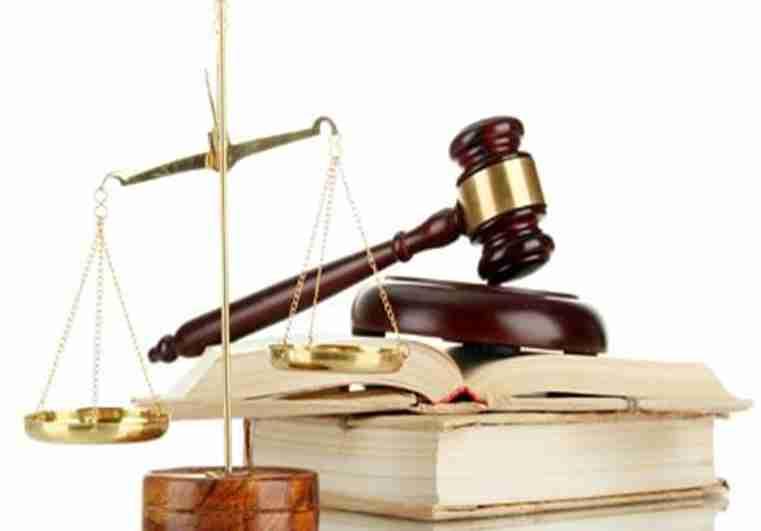 Regístrate en un Grado de Derecho Online